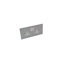 Britmac GB3SS2/BG 13amp 2gang switched socket for 3 comp floor boxes
