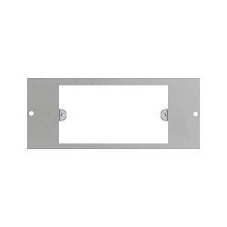 Britmac GB32G/BG 3 Compartment plate to accept 2g wiring accessories