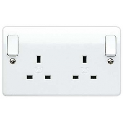 MK K2746WHI 2 Gang 13 Amp White Switched Socket out board rockers