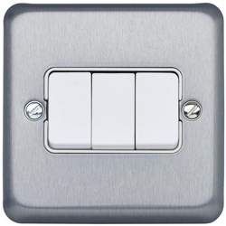 MK K4673BRC 3gang 10amp 2way SP Light Switch Brushed Chrome Plate