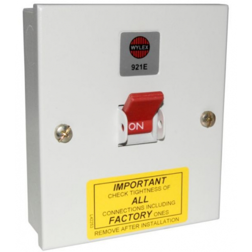 Wylex 921E 32 Amp TPN 415v Metal Isolator Switch
